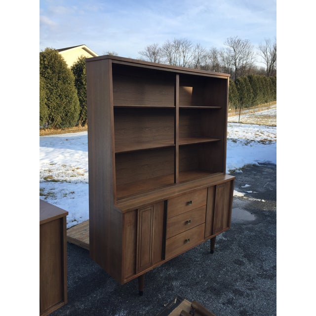 Stanley Furniture 1960s Scandinavian Modern Stanley Walnut China Hutch With Glass Doors For Sale - Image 4 of 9