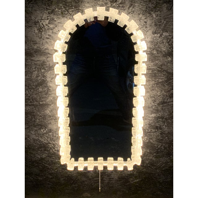 1960s Illuminated Acrylic Resin Mirror For Sale - Image 5 of 12