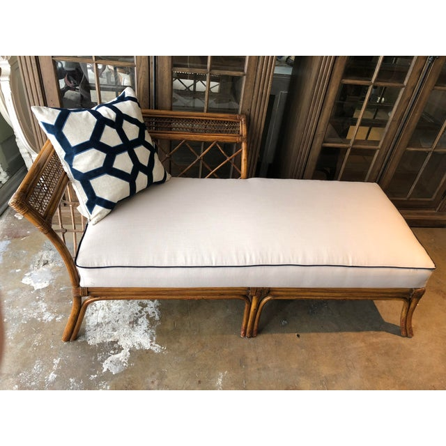 Anglo-Indian Bamboo & Linen Chaise For Sale - Image 3 of 10