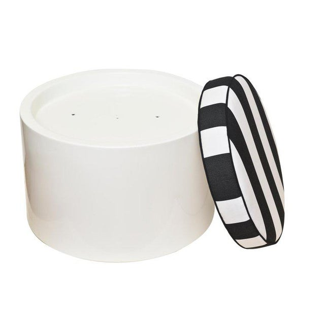 Wood 1970s White Lacquered Resin & Upholstered Round Outdoor Pool/ Patio Benches- Set of 6 For Sale - Image 7 of 8