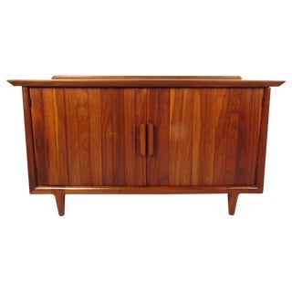 Heritage Henredon Mid-Century Modern Raised Edge American Walnut Cabinet For Sale
