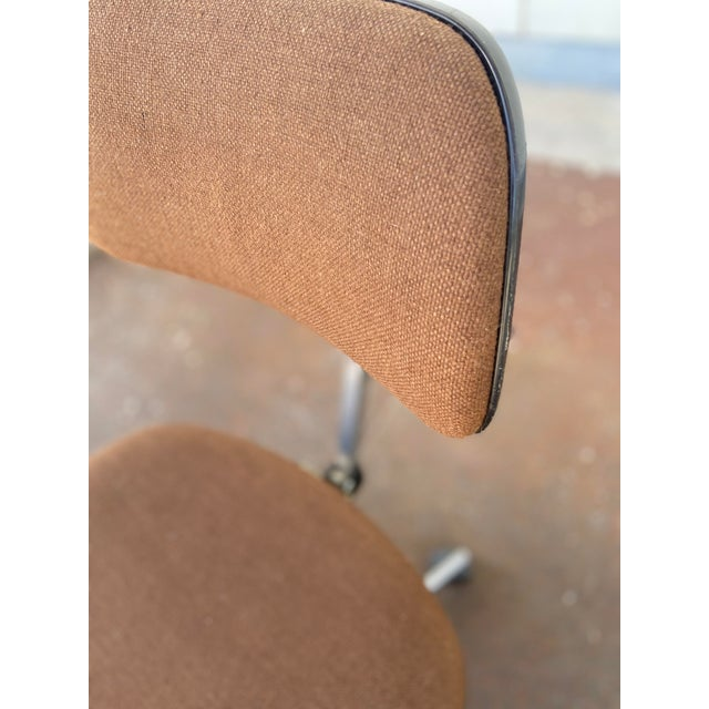 Mid 20th Century Herman Miller Rolling Office Chair For Sale - Image 5 of 13
