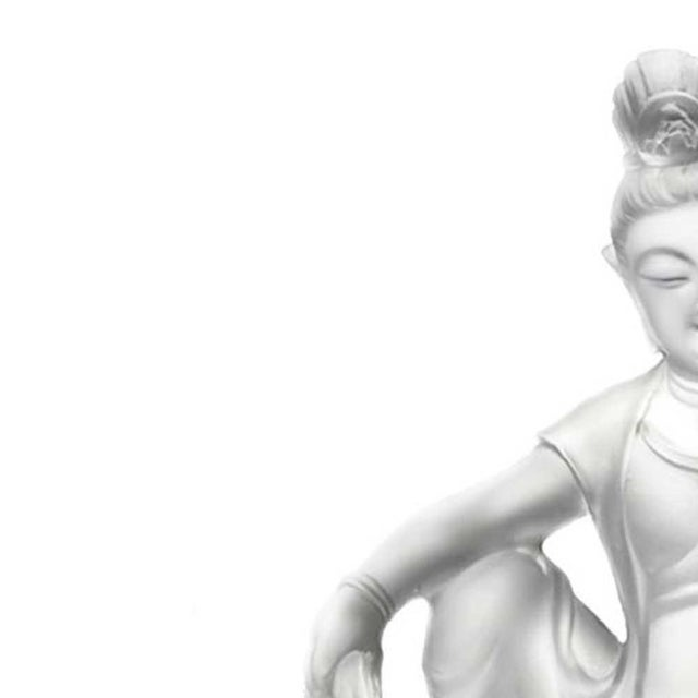 Liuli Crystal Art Crystal Guanyin (Limited Edition) For Sale In Los Angeles - Image 6 of 7