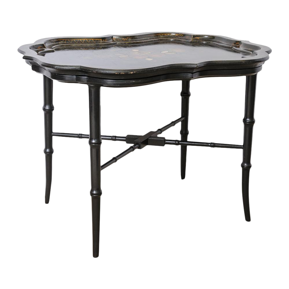 Charmant Lacquer Tray Table For Sale