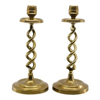19th Century English Traditional Brass Barley Twist Table Candle Holders - a Pair For Sale