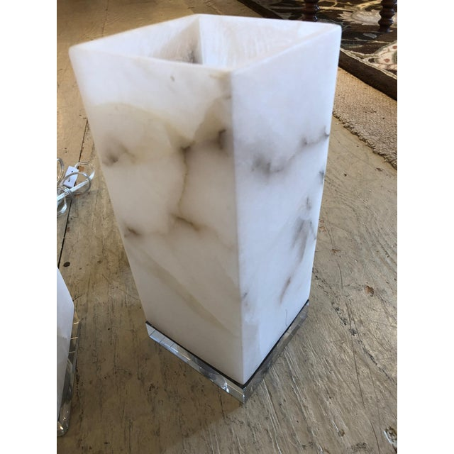 Marble Cubes on Lucite Bases Table Lamps - a Pair For Sale In Philadelphia - Image 6 of 8