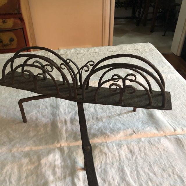 Gothic 18th Century American Colonial Hand Forged Wrought Iron Rotary Bread Toaster For Sale - Image 3 of 13