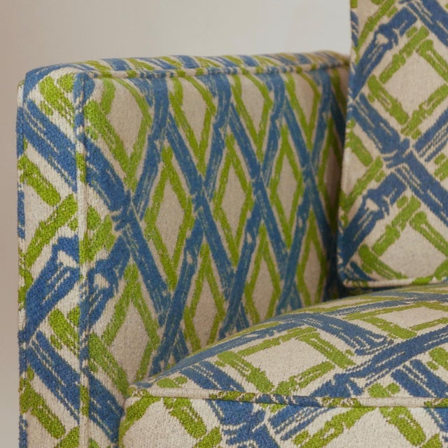 Pair of Regency Chinoiserie Tuxedo Settees in Lattice Bamboo Upholstery For Sale In New York - Image 6 of 13