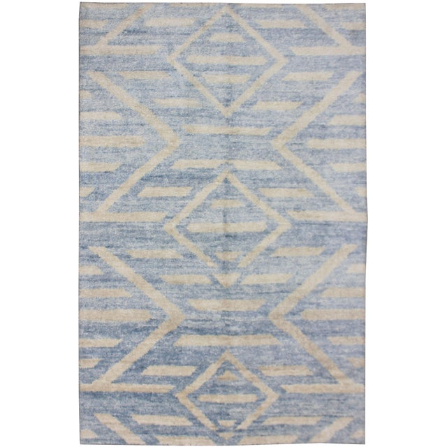 Aara Hand Knotted Bamboo Rug- 5′ × 7′ For Sale