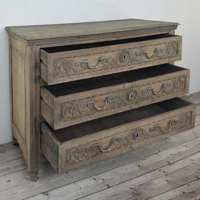 Gold 18th Century French Louis XVI Stripped Oak Commode For Sale - Image 8 of 13
