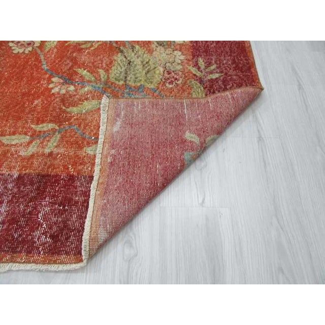Turkish Art Deco Floral Rug- 6′7″ × 10′1″ For Sale In Los Angeles - Image 6 of 6