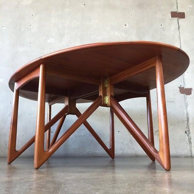 """Kurt Ostervig Vintage Danish Teak """"Gateleg"""" Drop Leaf Dining Table by Kurt Østervig for Jason Møbler For Sale - Image 4 of 10"""
