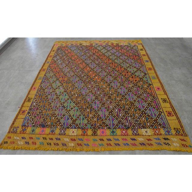 Hand Woven Vintage Turkish Kilim Rug. Wool Braided Area Rug Kilim Jajim- 5′5″ × 7′ For Sale - Image 9 of 9