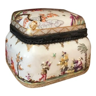 Vintage Meissen Porcelain Trinket Box With Asian Imagery For Sale