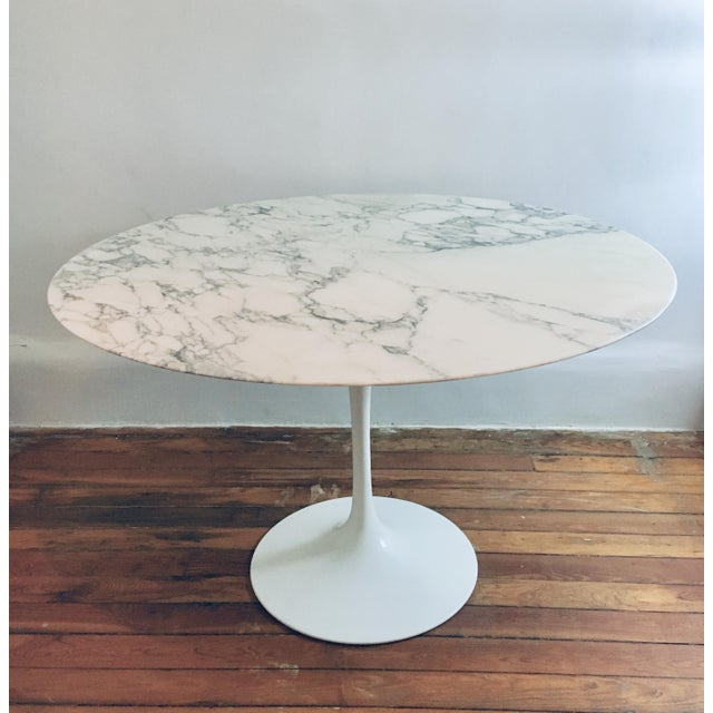 "Mid Century Modern Eero Saarinen Knoll 48"" Tulip Marble Dining Table For Sale - Image 10 of 10"