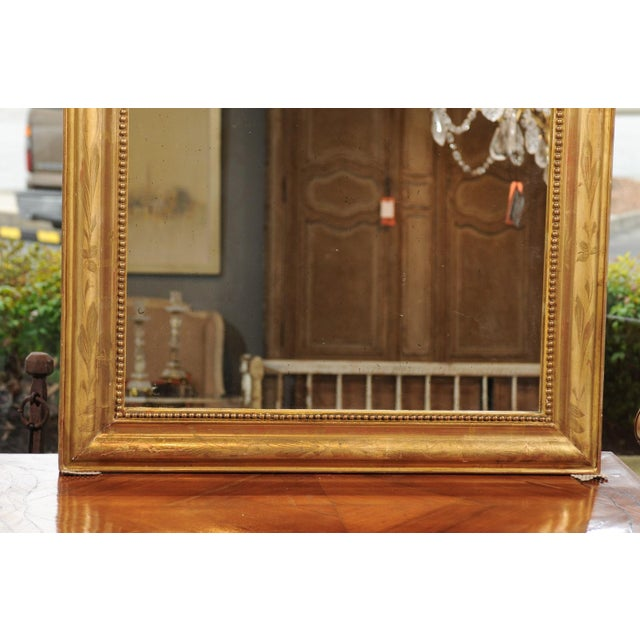 French 19th Century Louis-Philippe Giltwood Mirror with Foliage and Beading For Sale - Image 9 of 12