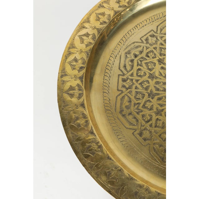 Mid 20th Century Polished Moroccan Brass Tray Side Table on Spider-Leg For Sale - Image 5 of 8