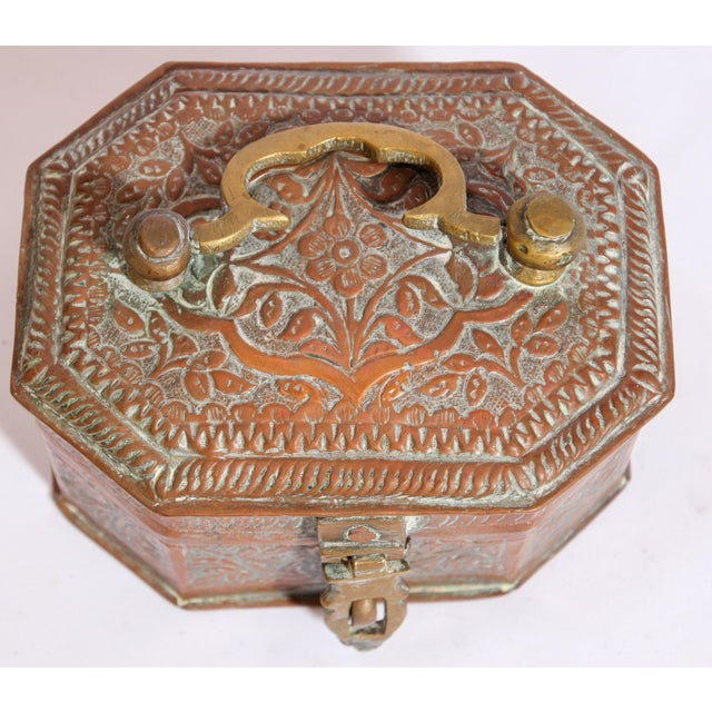Anglo-Indian Handcrafted Tinned Copper Metal Spices Caddy Box For Sale In Los Angeles - Image 6 of 13