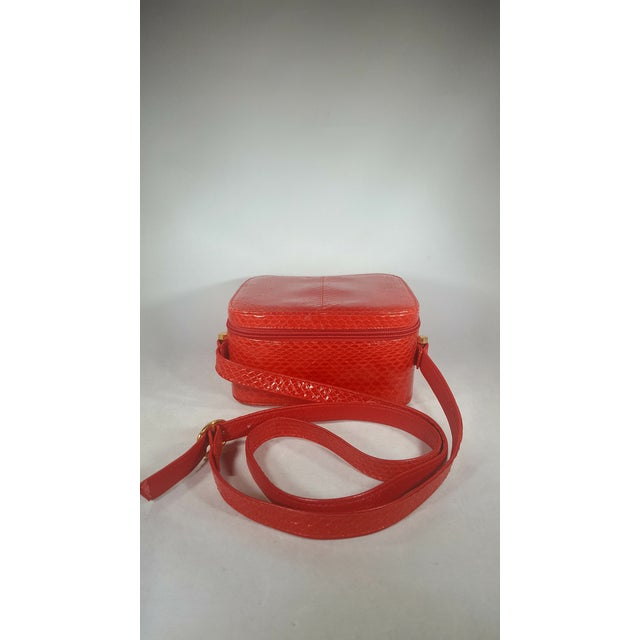 1980s Vintage Red Snakeskin Box Purse With Adjustable Strap For Sale - Image 5 of 5