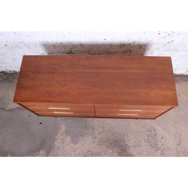 """Brown Kent Coffey """"The Tableau"""" Mid-Century Modern Walnut Six-Drawer Long Dresser or Credenza For Sale - Image 8 of 12"""