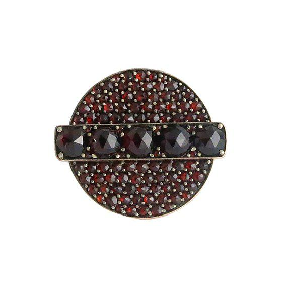 Late 19th Century Victorian 10k Gold Faceted Pave Garnet Ring For Sale - Image 5 of 5