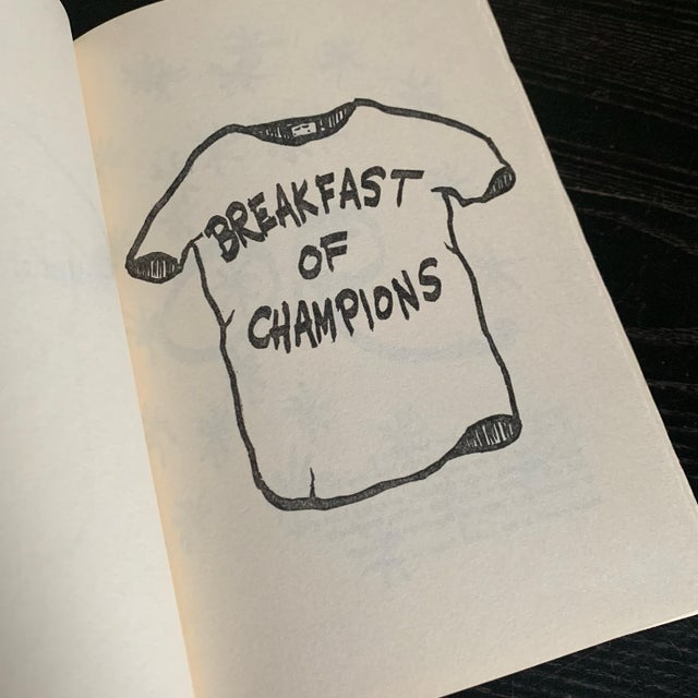 First Book Club Edition Hardcover. 1973 Breakfast of Champions by Kurt Vonnegut For Sale - Image 4 of 6
