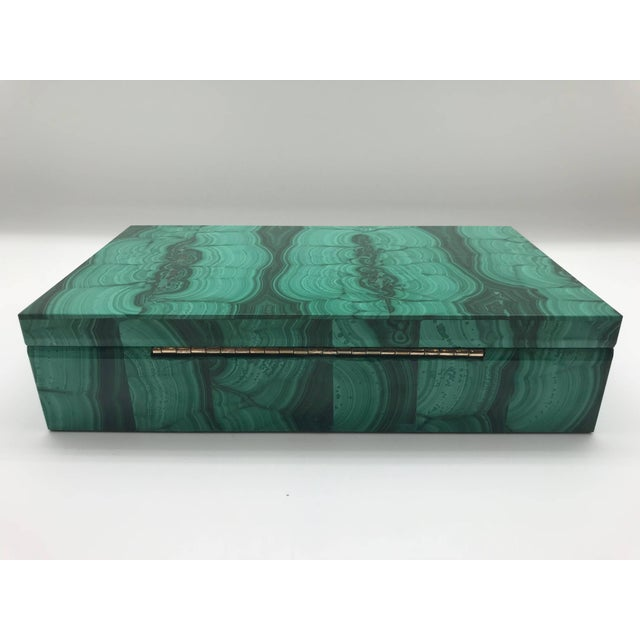 Emerald Very Large Malachite Box with Hinged Lid For Sale - Image 8 of 10