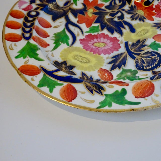 19th Century Porcelain Plate With Decorative Floral Design For Sale - Image 4 of 10