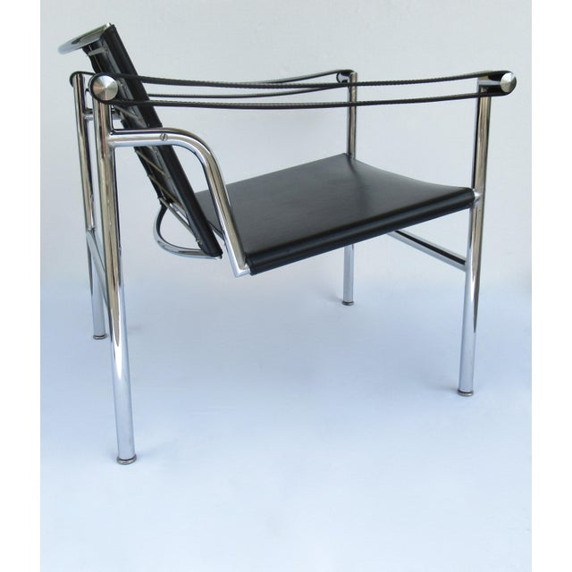 C.1950s-60s Le Corbusier LC1 Basculant Chrome & Black Saddle Leather Sling Lounge Chair For Sale In West Palm - Image 6 of 13