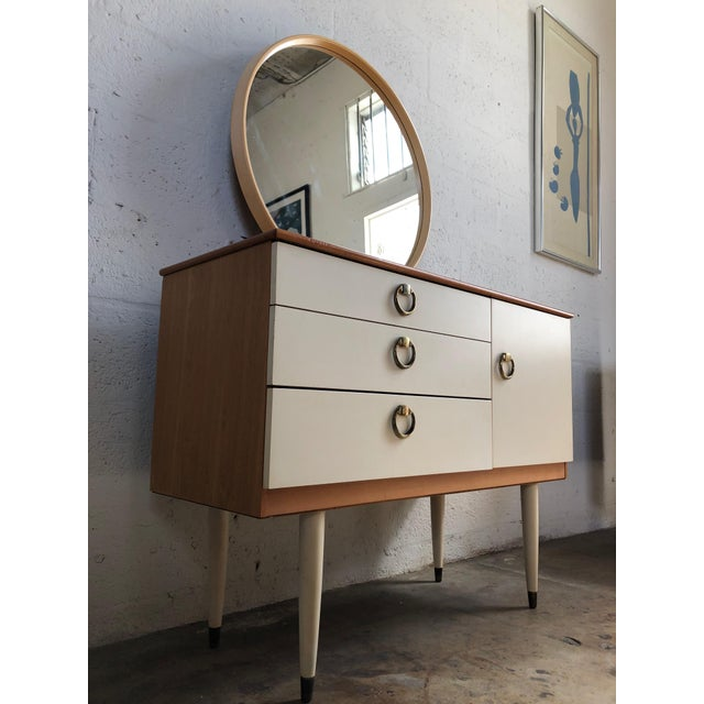 Vintage 1970s Mid Century Modern Vanity by Schreiber For Sale - Image 4 of 11