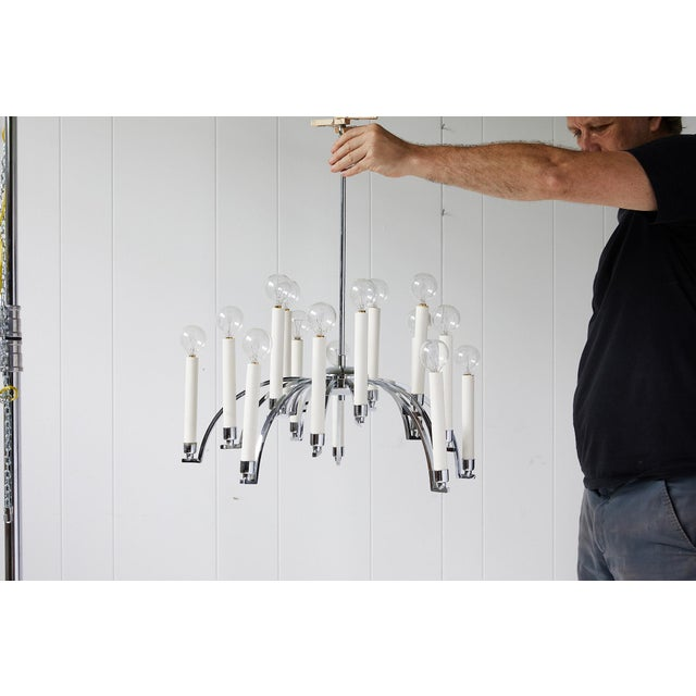 Midcentury Modern 14-Arm Chrome Chandelier by Lightolier For Sale - Image 11 of 12