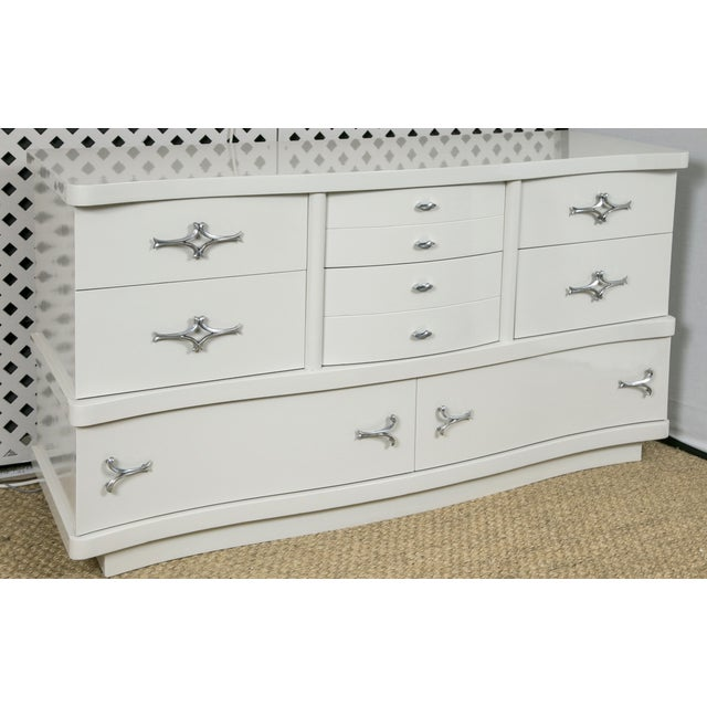 Grey Lacquer Mid-Century Hollywood Dresser - Image 3 of 8