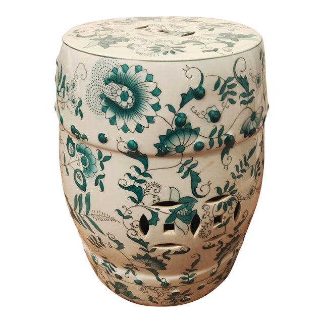 Chinese Green and White Porcelain Barrel-Form Garden Stool For Sale