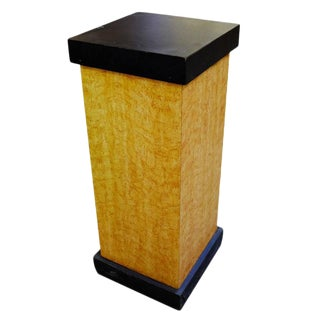 Art Deco Bird's-Eye Maple Formica Pedestal With Black Top For Sale