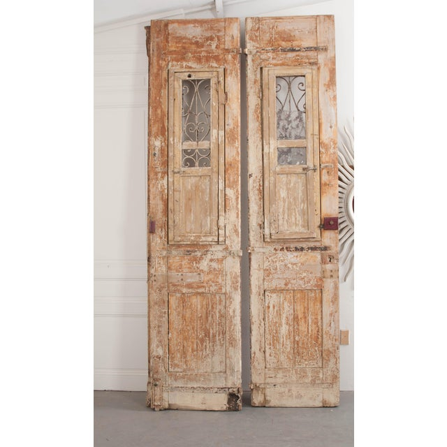 Tall Pair of French Napoleon III-Style Early-20th Century Painted Pine and Wrought-Iron Exterior Entrance Doors For Sale - Image 9 of 11