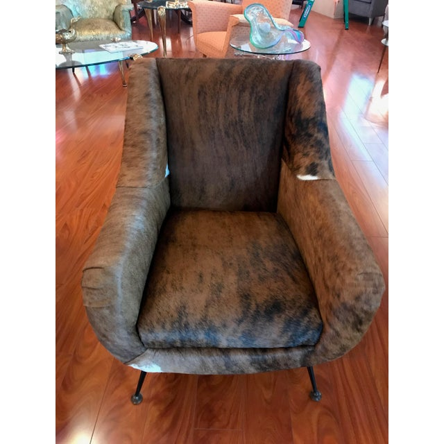Italian Mid-Century Modern Club Chairs Covered in Cowhide - a Pair For Sale - Image 10 of 13