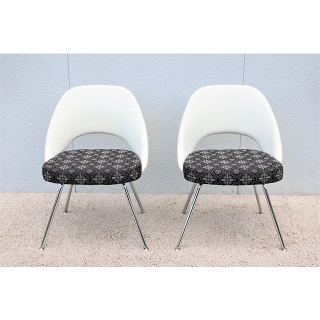 Knoll Mid-Century Modern Eero Saarinen for Knoll Executive Armless Chairs - a Pair For Sale - Image 4 of 13