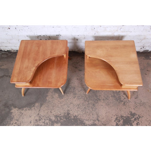 Heywood Wakefield Mid-Century Modern Solid Maple Corner End Table, 1950s For Sale - Image 9 of 11