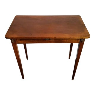 18th/19th Century Early American Federal Period Mahogany Table For Sale