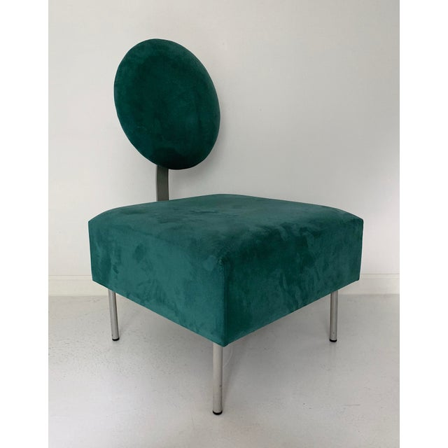 Vintage Andreu World contemporary green lounge chair with tilted back rest, circa 1980's in excellent condition.