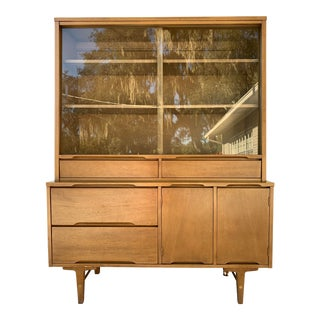 Stanley Furniture Mid Century Hutch For Sale