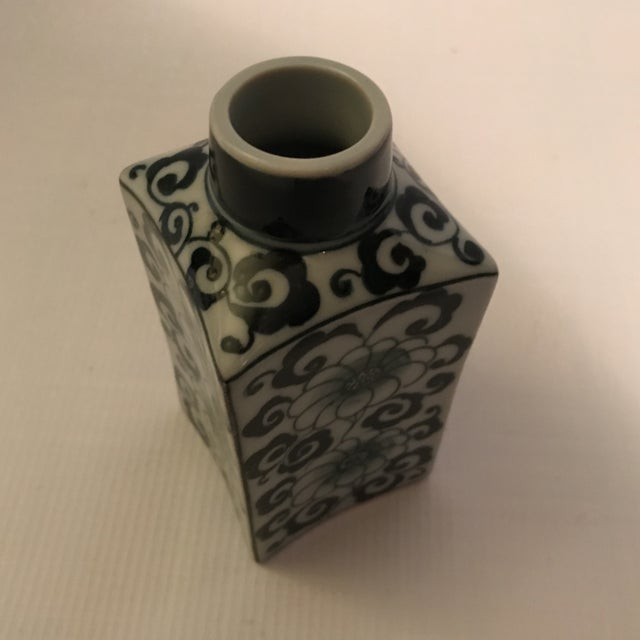 White Small Square Blue and White Porcelain Vase For Sale - Image 8 of 9