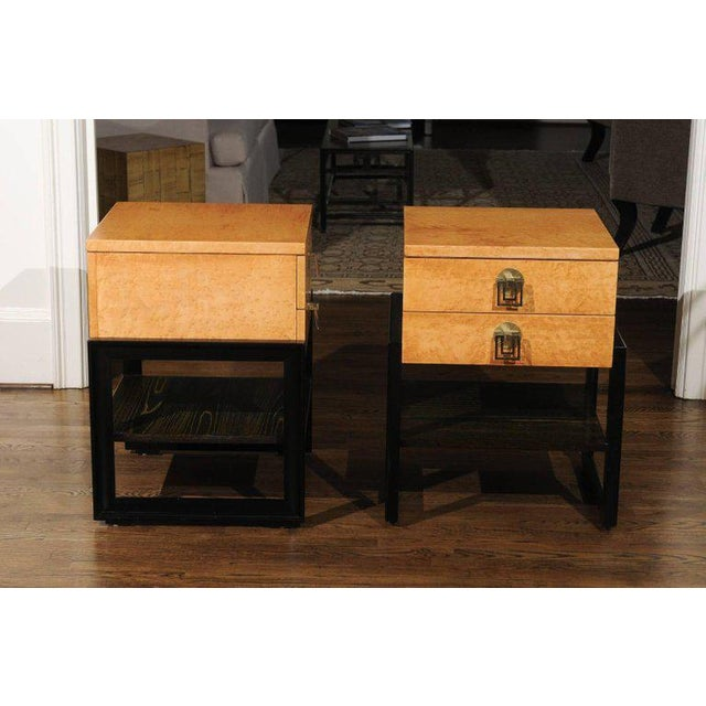 Magnificent Pair of End Tables by Renzo Rutili in Birdseye Maple, Circa 1955 For Sale In Atlanta - Image 6 of 13