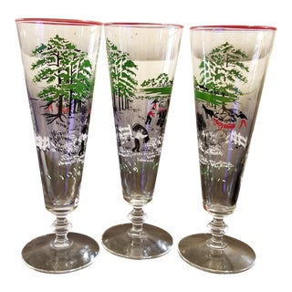 Vintage 1940s Libbey Currier and Ives Pilsner Glasses. Set of 3 For Sale
