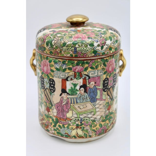 Chinese 18th Century Chinese Rose Medallion Porcelain Lidded Jar For Sale - Image 3 of 12