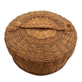 Braided Sweetgrass and Ash Splint Fine Penobscot Lidded Basket For Sale