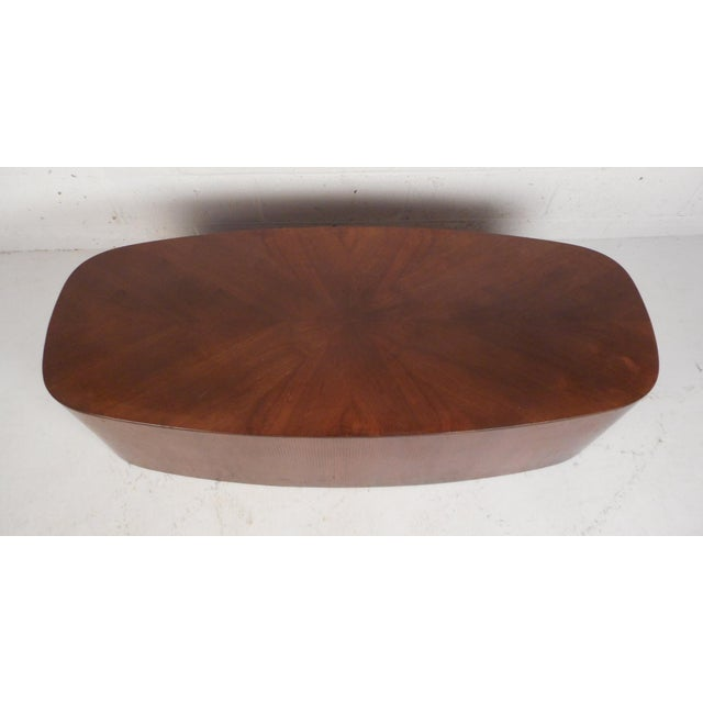 Mid-Century Modern Oval Coffee Table For Sale - Image 4 of 12