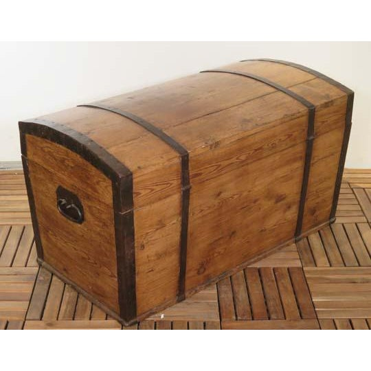 English Pine Dome Top Box For Sale - Image 4 of 6