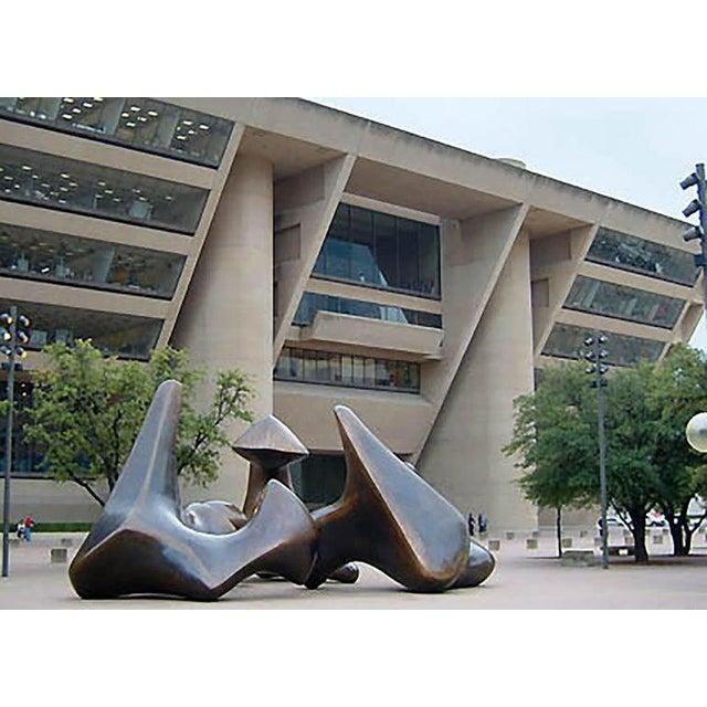 Architectural Bench From the Iconic i.m. Pei Dallas City Hall For Sale - Image 4 of 13