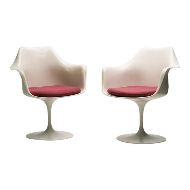 Rare Early 1950s Set of Two Saarinen Model 150 Tulip Armchairs For Sale
